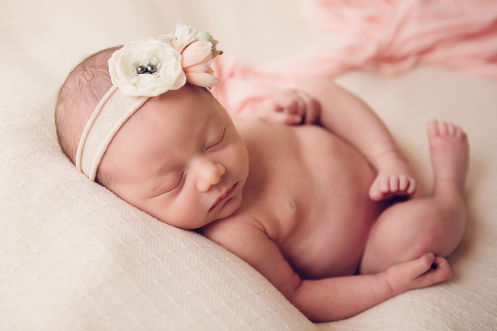 Denver Newborn Photographer | Natalia Brand New