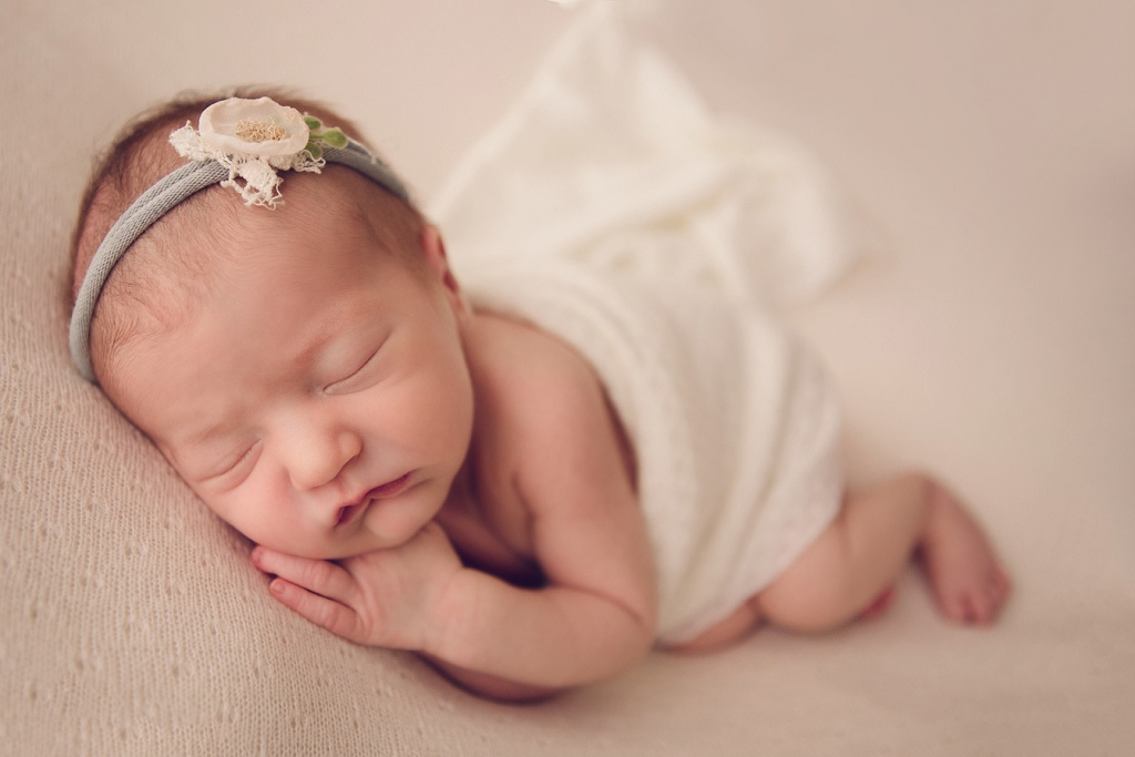 Denver Newborn Photographer | Ellary Brand New